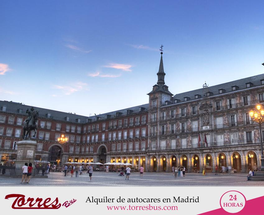 Autobuses para viajes turísticos en Madrid - España